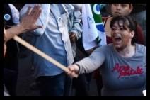 """Agresión a manifestantes. """"click"""" para ampliar la imagen"""