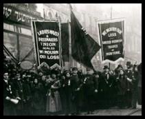 Protesta por  las condiciones que causaron la tragedia de la Triangle Shirtwaist.
